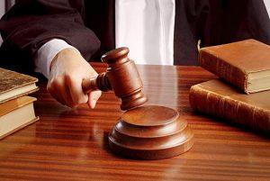 anekdotai apie teismus